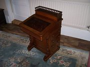 Antique Victorian Walnut Daven