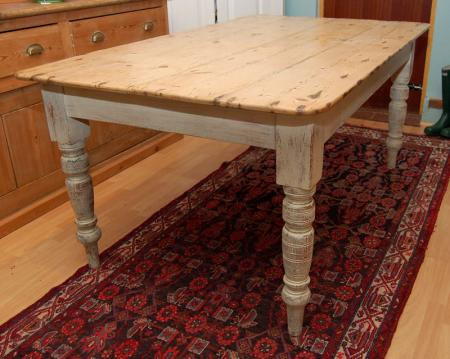 DescriptionVictorian Pine Farmhouse Table With a wide boarded