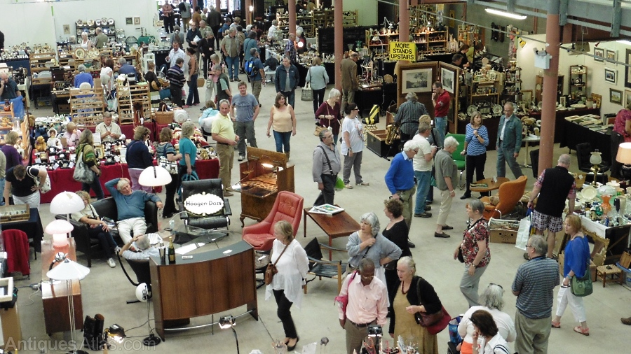 The newark antiques and collectors show